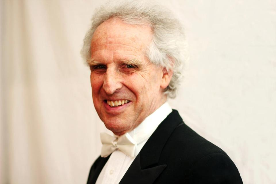 As has been his practice for some time, Benjamin Zander performed the Scherzo before the Andante.