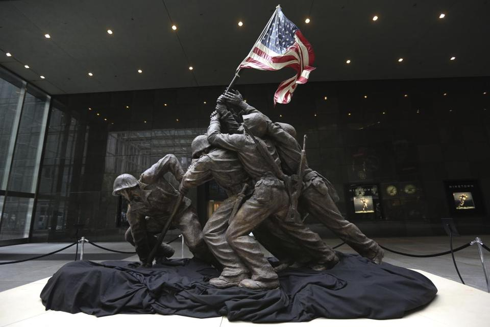 The sculpture of US Marines and a Navy corpsman raising the flag had been expected to sell for as much as $1.8 million.