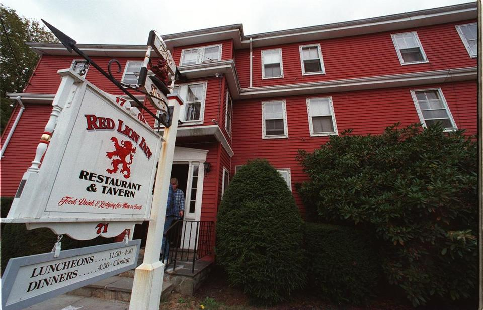 The owner of Cohasset's Red Lion Inn plans to be open this weekend.