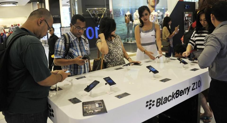 People in Jakarta got to purchase the Blackberry Z10 on March 15.