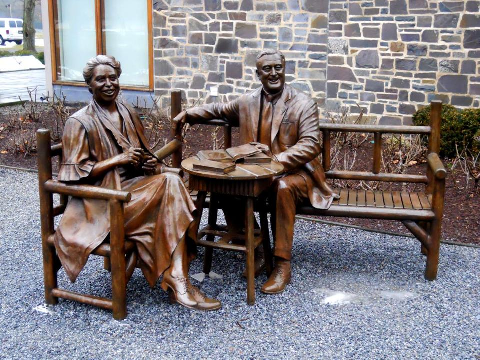 A statue of President Franklin Delano Roosevelt and Eleanor Roosevelt at the FDR Estate.