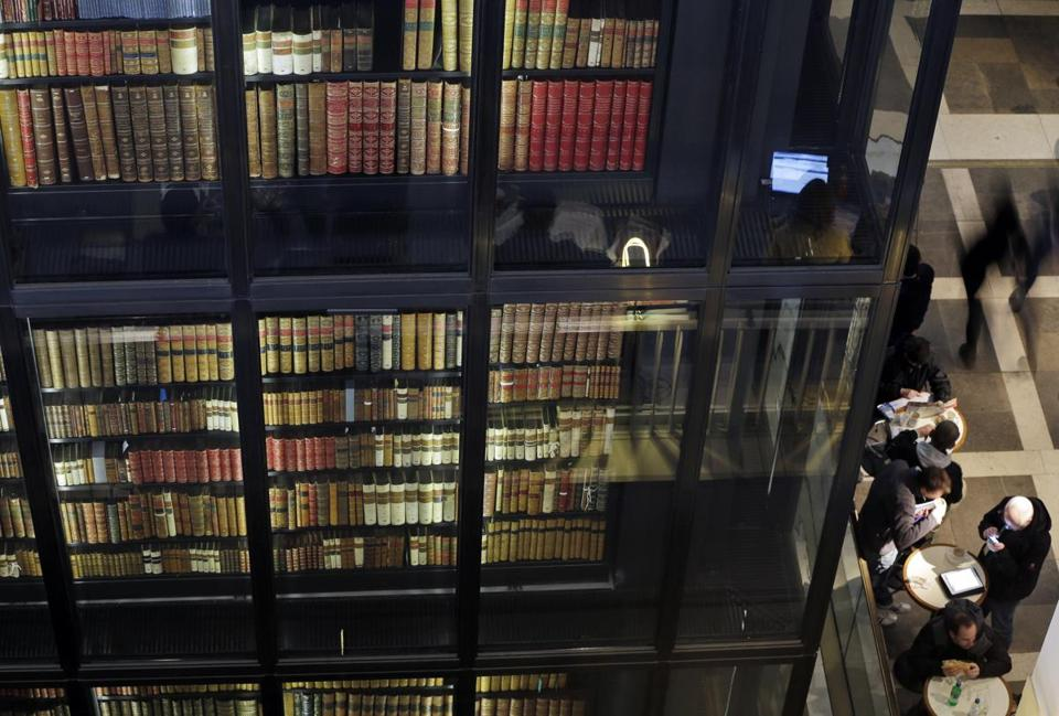 The British Library will use an automated Web harvester to archive about a billion pages, some of them daily.