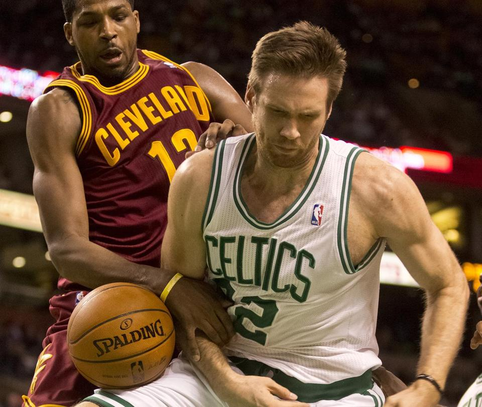 Shavlik Randolph was held back by Tristan Thompson — and dubious foul calls.