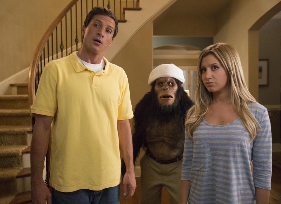 "Simon Rex and Ashley Tisdale in ""Scary Movie 5."""