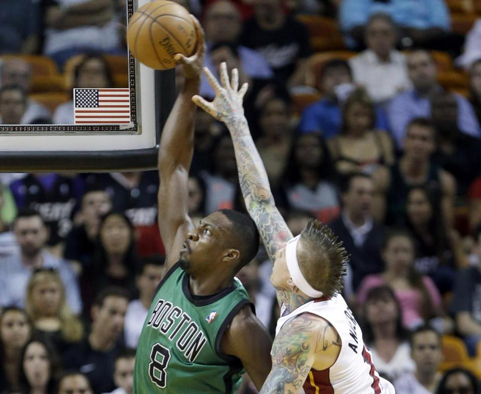 Jeff Green powers past Chris Andersen for 2 of his game-high 25 points.