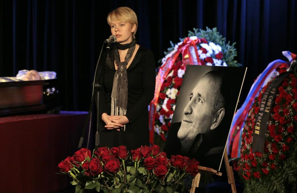 Russian opposition activist Yevgenia Chirikova spoke at a civil funeral ceremony for Mr. Beketov in Moscow Thursday.