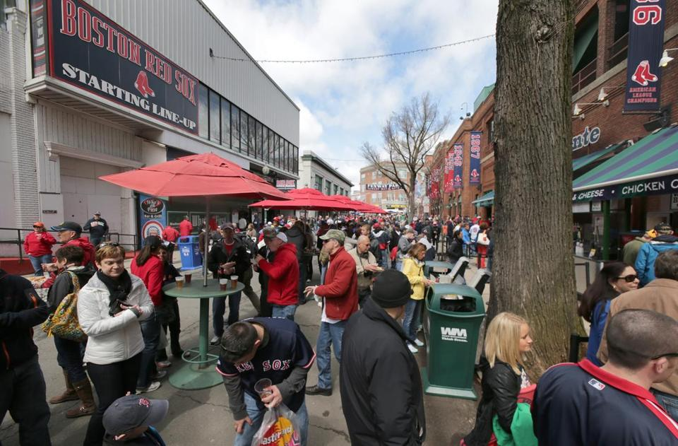 The Lansdowne Street hot dog stand will join the Yawkey Way food court that is the centerpiece of a deal with the Boston Redevelopment Authority.