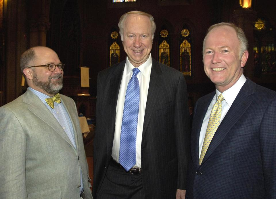 "From left: NEHGS president Brenton Simons, David Gergen, and CNBC's ""Closing Bell"" co-anchor and NEHGS trustee Bill Griffeth."