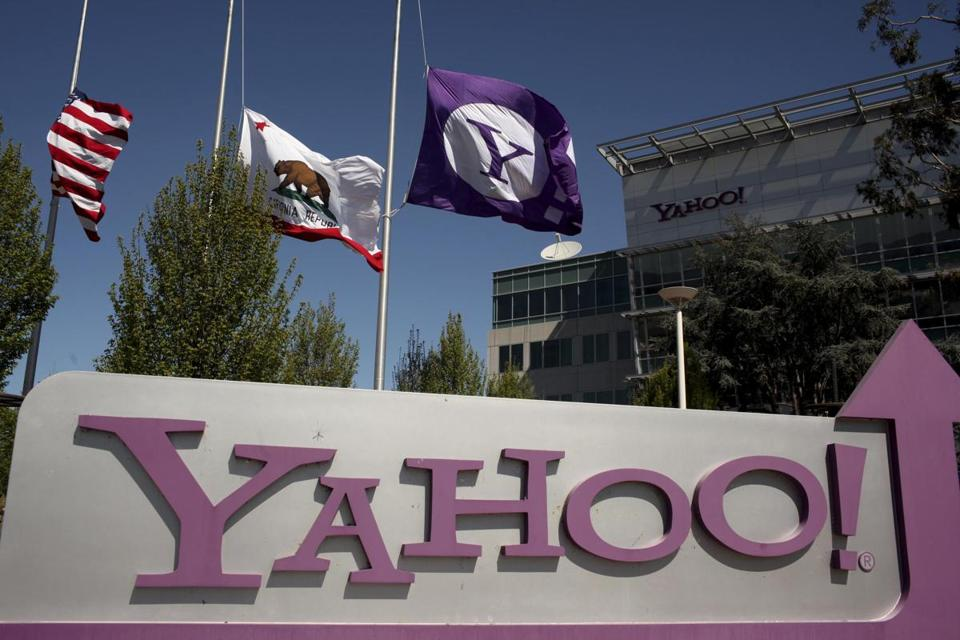 Alfred Amoroso will become the eighth Yahoo director to depart the company since early last year.