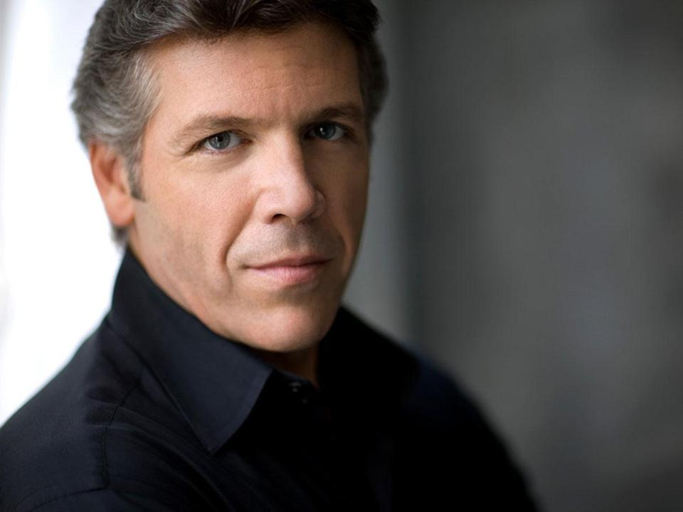 Baritone Thomas Hampson performed with the Jupiter String Quartet at Jordan Hall Friday.