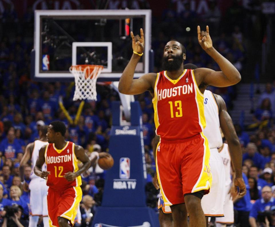 James Harden led the Rockets' charge with 31 points, including seven 3-pointers.