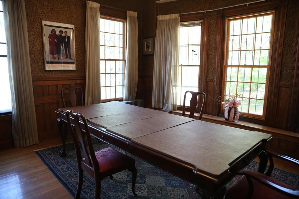 Off The Front Hallway Is A Formal Dining Room With Bay Windows Original Oak Wainscoting