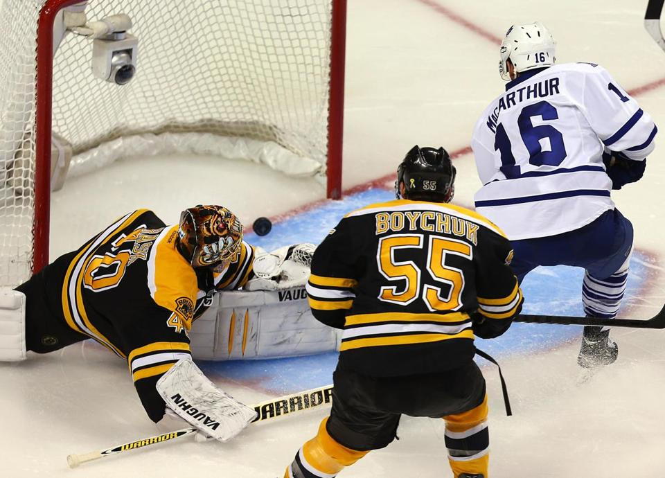 Maple Leafs forward ClarkeMacArthur beat Johnny Boychuk, then goaltender Tuukka Rask to give Toronto a 2-0 lead early in the third period.