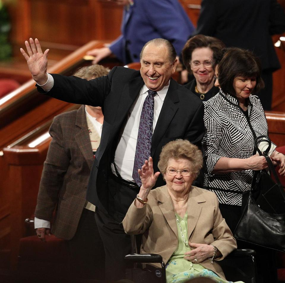 Thomas and Frances Monson waved to the crowd after they attended the 2011 general conference in Salt Lake City.