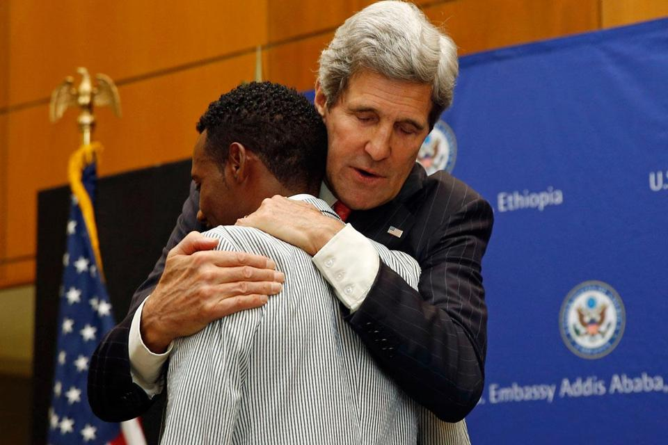 Lelisa Desisa announced his decision to give his medal to Boston and Secretary of State John Kerry thanked him.