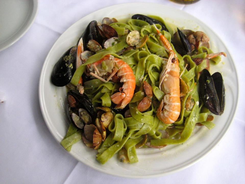 Recipe For Spinach Pasta With Seafood The Boston Globe