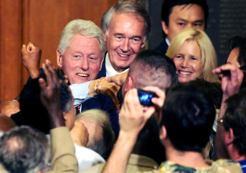Edward Markey's campaign estimated a crowd of 900 turned out at Worcester Polytechnic Institute to hear Bill Clinton speak in support of Markey's bid for Senate.