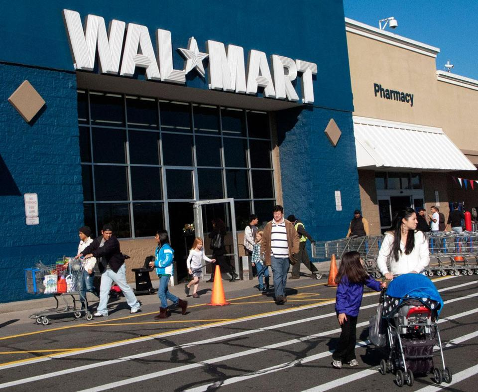 Walmart and other large employers reported success in reducing costs by sending workers to prominent hospitals for major procedures including heart surgery.