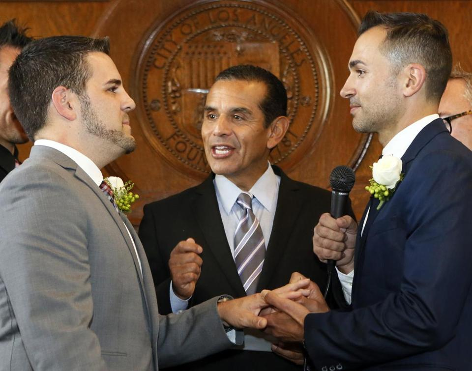 Jeff Zarrillo (left) and Paul Katami were married by Los Angeles Mayor Antonio Villaraigosa at City Hall.