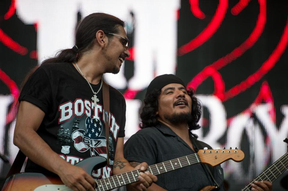Los Lonely Boys brought their jam-heavy blues to the Common.