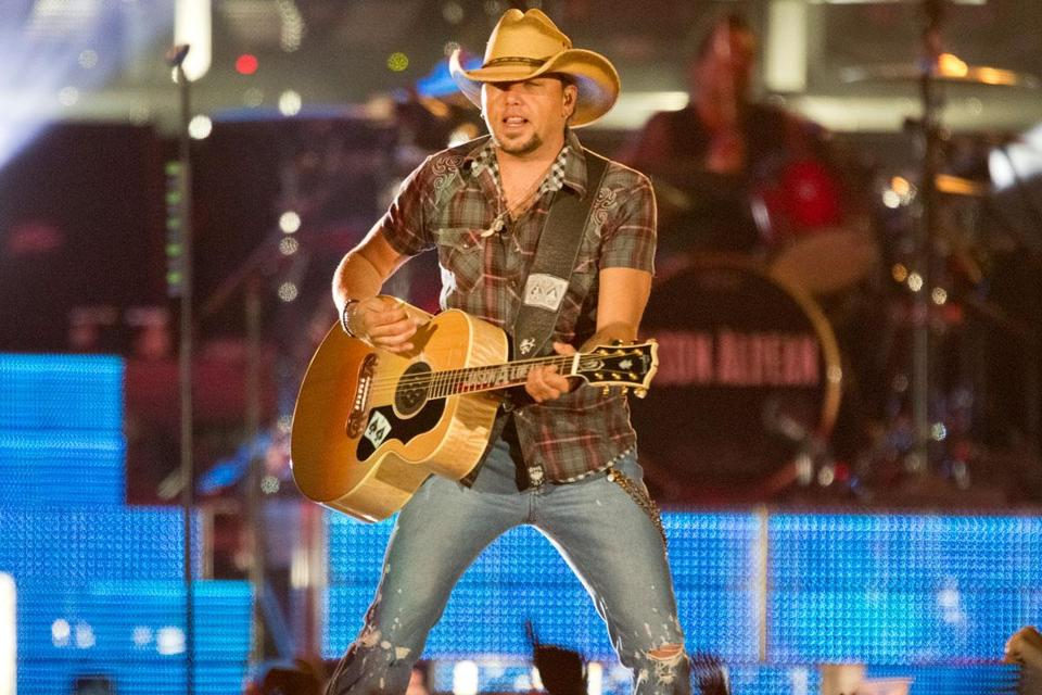 Jason Aldean kept up the pace for his 83-minute set at Fenway Friday night.
