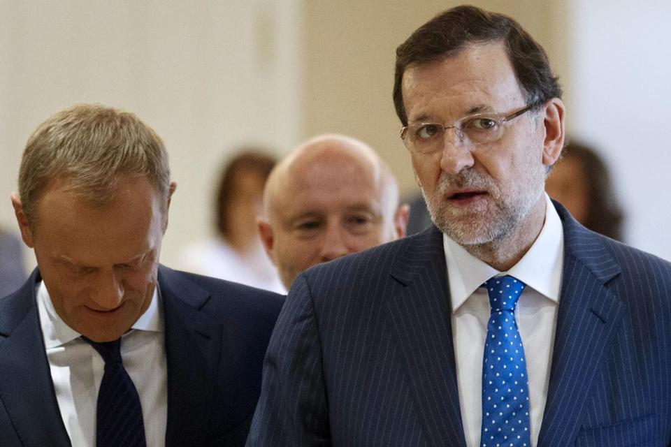 Critics link a political funding scam to Mariano Rajoy.