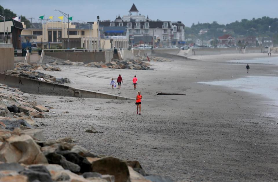 Hull Massachusetts 07/25/2013 A view of Nantasket Beach in Hull . ( Jonathan.Wiggs )Topic:Section:Reporter: Topic: Reporter: