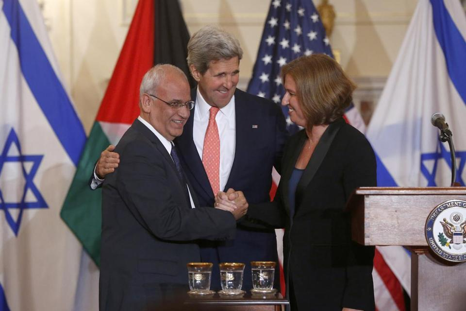 Saeb Erekat, the chief Palestinian negotiator, and Tzipi Livni, Israel's justice minister, shared the stage Tuesday.