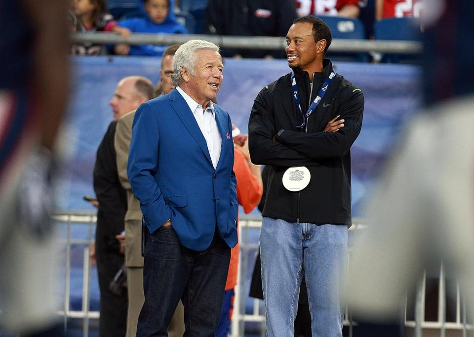 Tiger Woods hung out with Patriots owner Robert Kraft prior to Thursday night's game at Gillette Stadium.