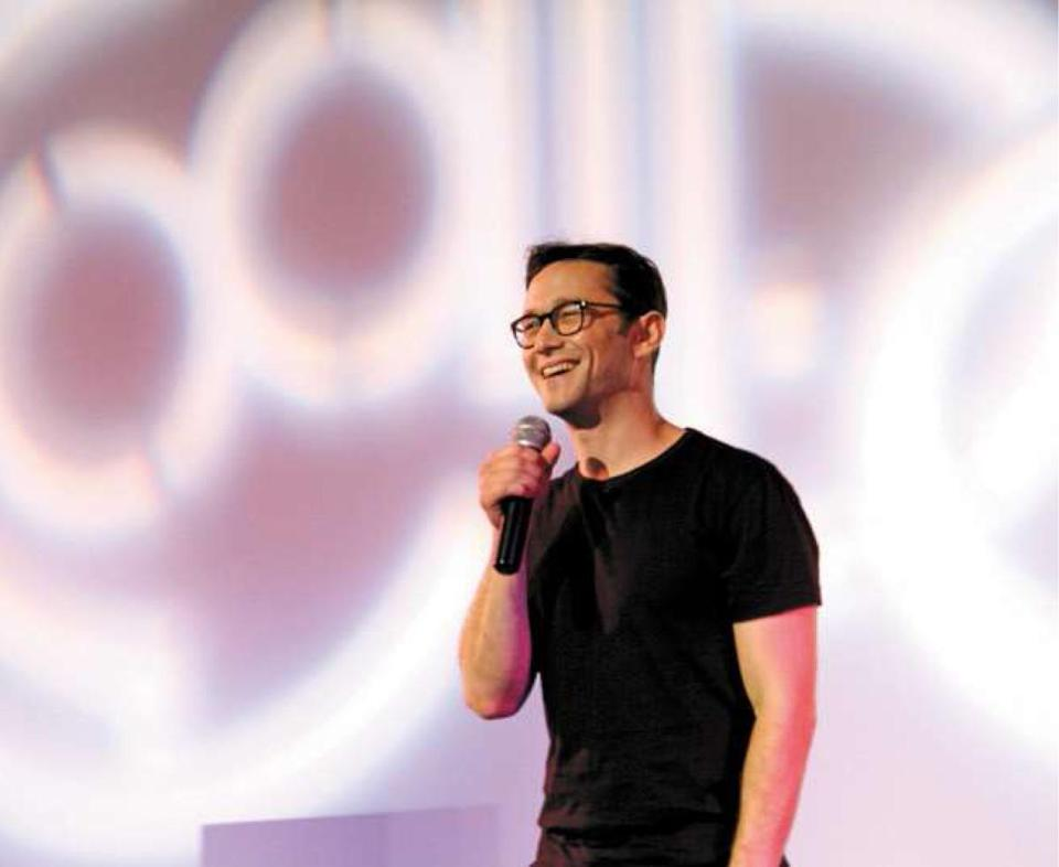 "Joseph Gordon-Levitt spoke about his new movie ""Don Jon"" on Tuesday at the Coolidge Corner Theatre."