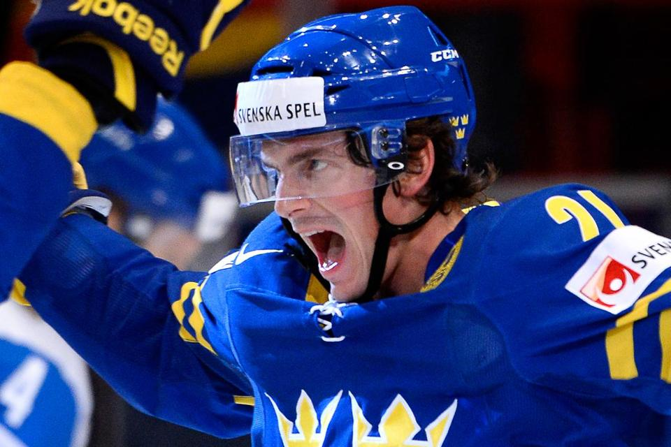 Loui Eriksson impressed for victorious Sweden in this year's world hockey championships; he hopes to wow Bruins fans this season.