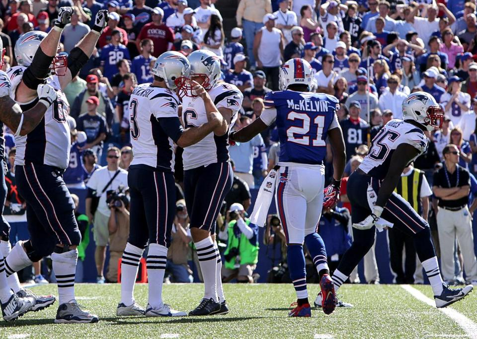 Stephen Gostkowski kicked a 35-yard field goal with 5 seconds to play to give the Patriots a 23-21 victory over the Bills Sunday.
