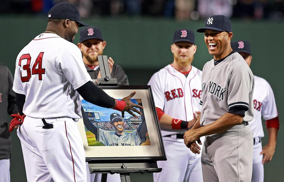 Mariano Rivera smiles when presented with a painting of his response to the ovation he got at Fenway in '05.