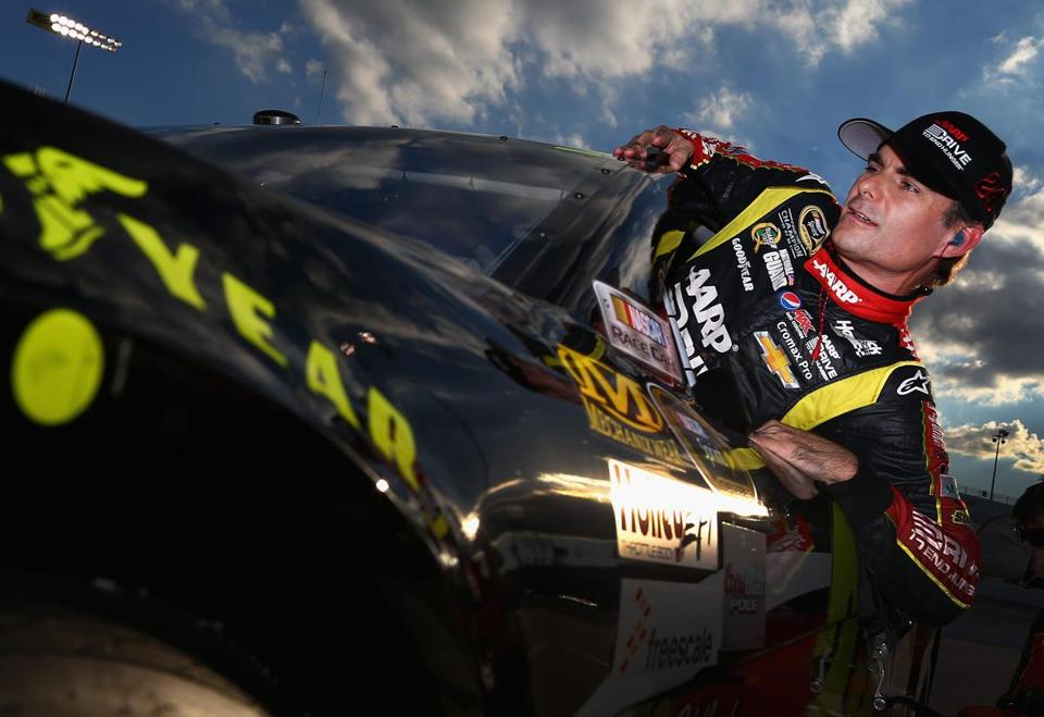 Jeff Gordon was sixth at Chicagoland to climb from 13th to seventh in Chase standings.