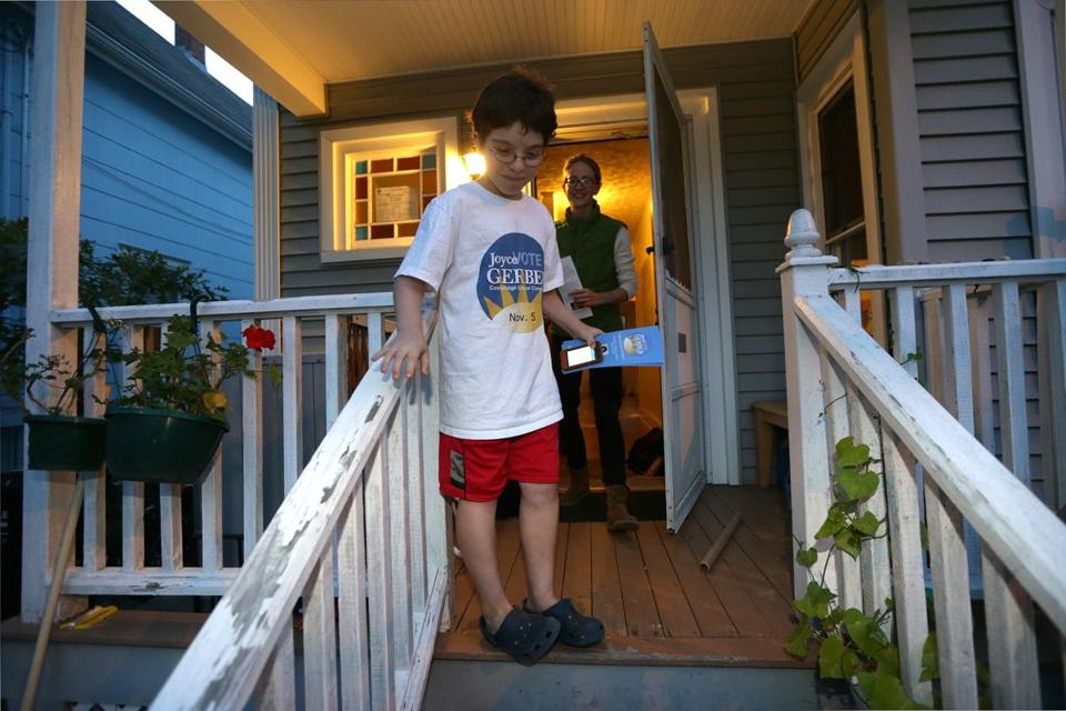 Zev Dickstein, 11, campaign manager for a Cambridge School Committee candidate, on the job talking to voters recently.