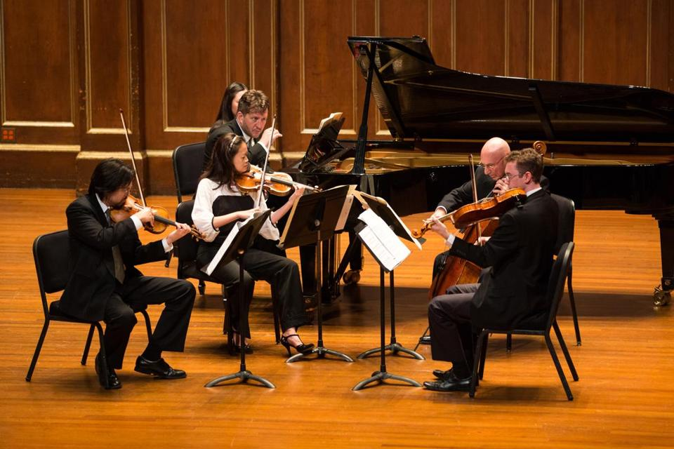The Boston Symphony Chamber Players, with Thomas Adès at the piano, performing Sunday.