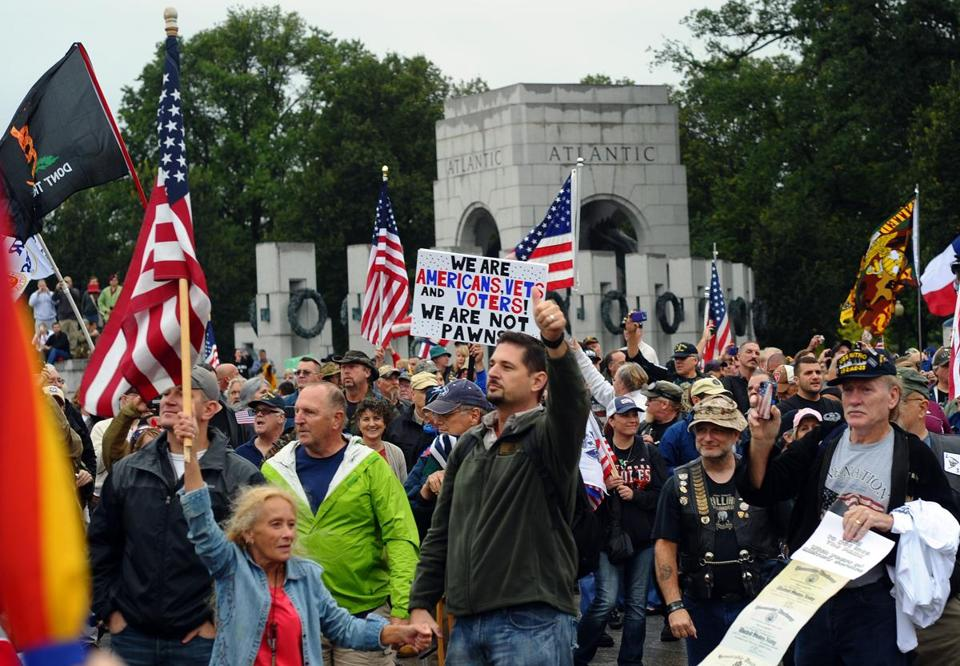 Protesters took part in a demonstration at the World War II memorial demanding for an end of US federal government shutdown.