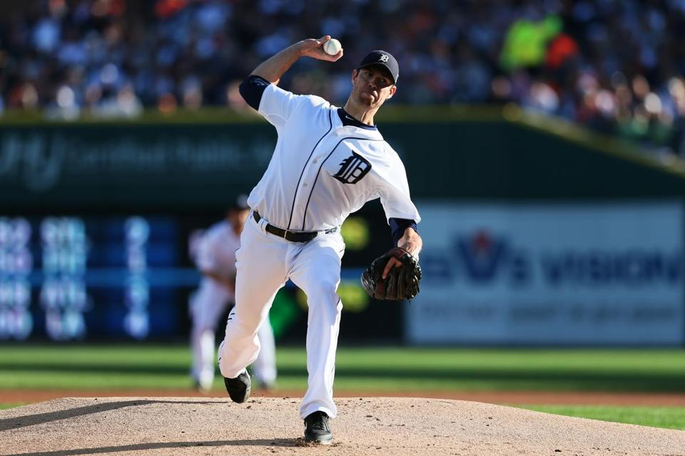 Doug Fister of the Detroit Tigers pitched in the first inning against the Oakland Athletics Oct. 8.
