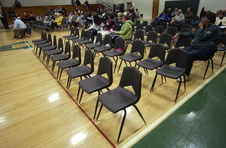 A 2007 town meeting was sparsely attended in Abington.