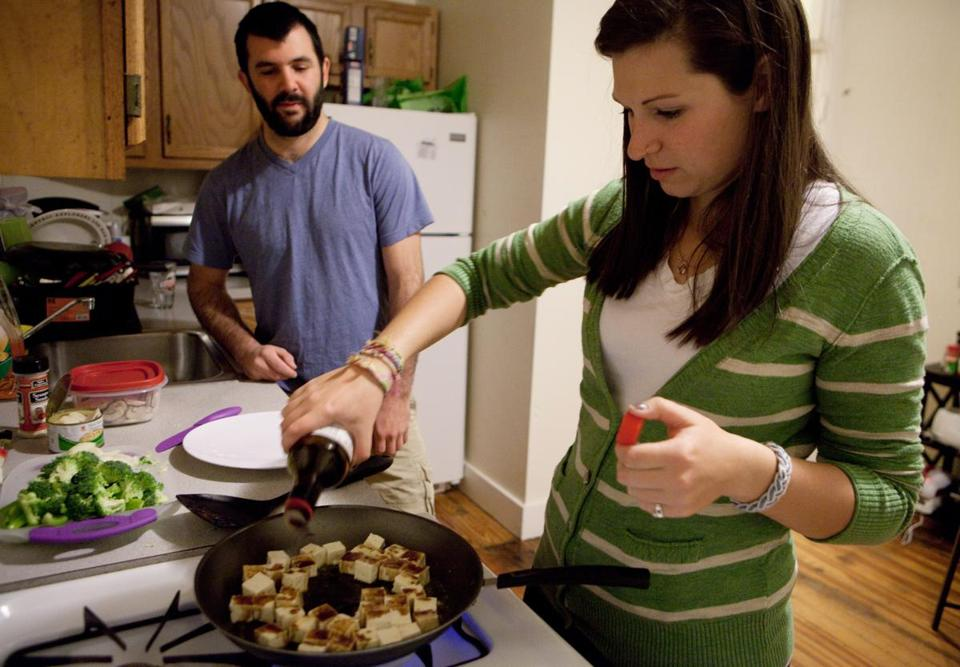 Nathan Gottier and Jess Gillane prepared a meatless meal together last month in Boston.