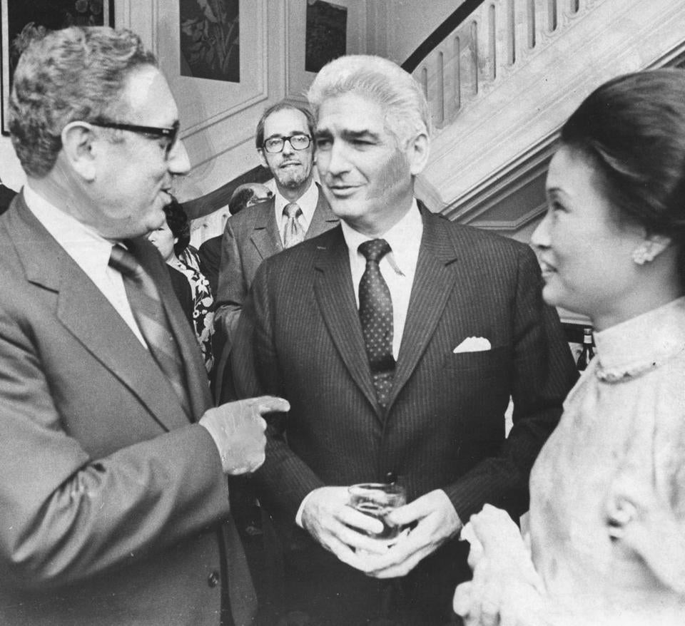 Henry Kissinger, William Sullivan, and Tran Kim Phuong in 1972 at South Vietnam's embassy in Washington.