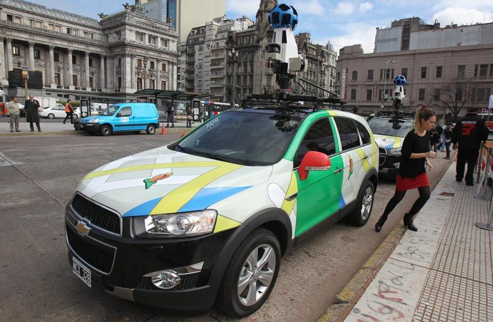 A Google Street View vehicle was at work mapping the streets of Buenos Aires.