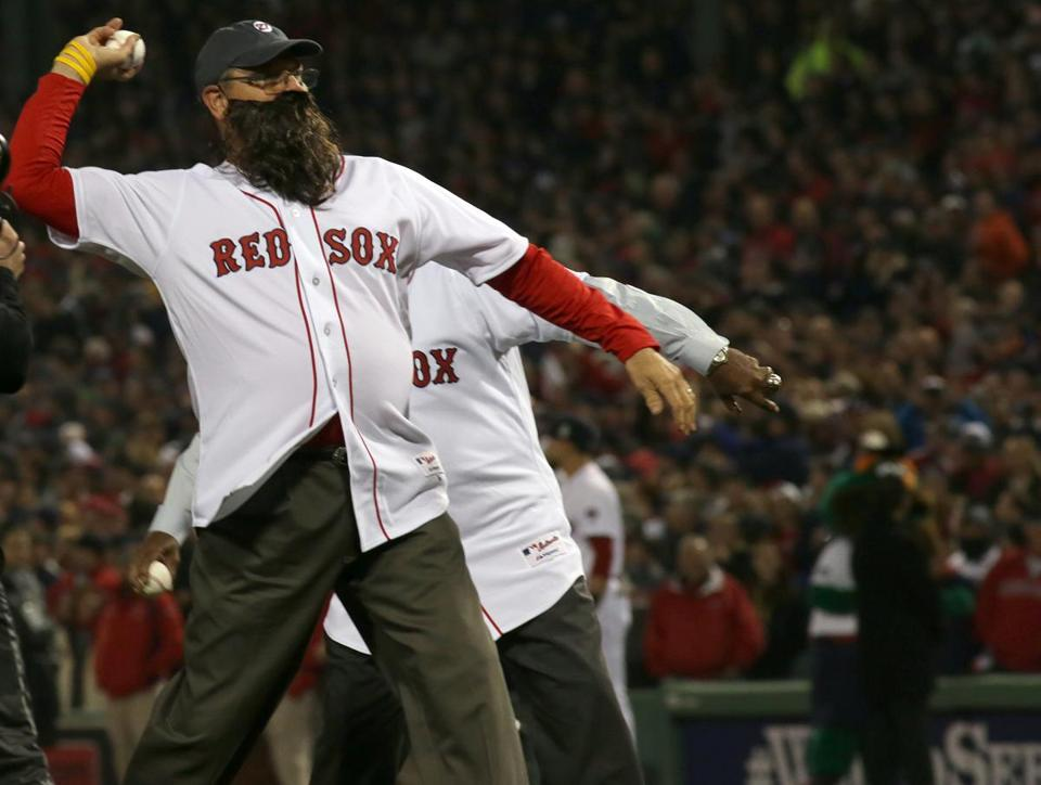 Former Red Sox Carlton Fisk (front) and Luis Tiant threw out ceremonial first pitches before Game 6.