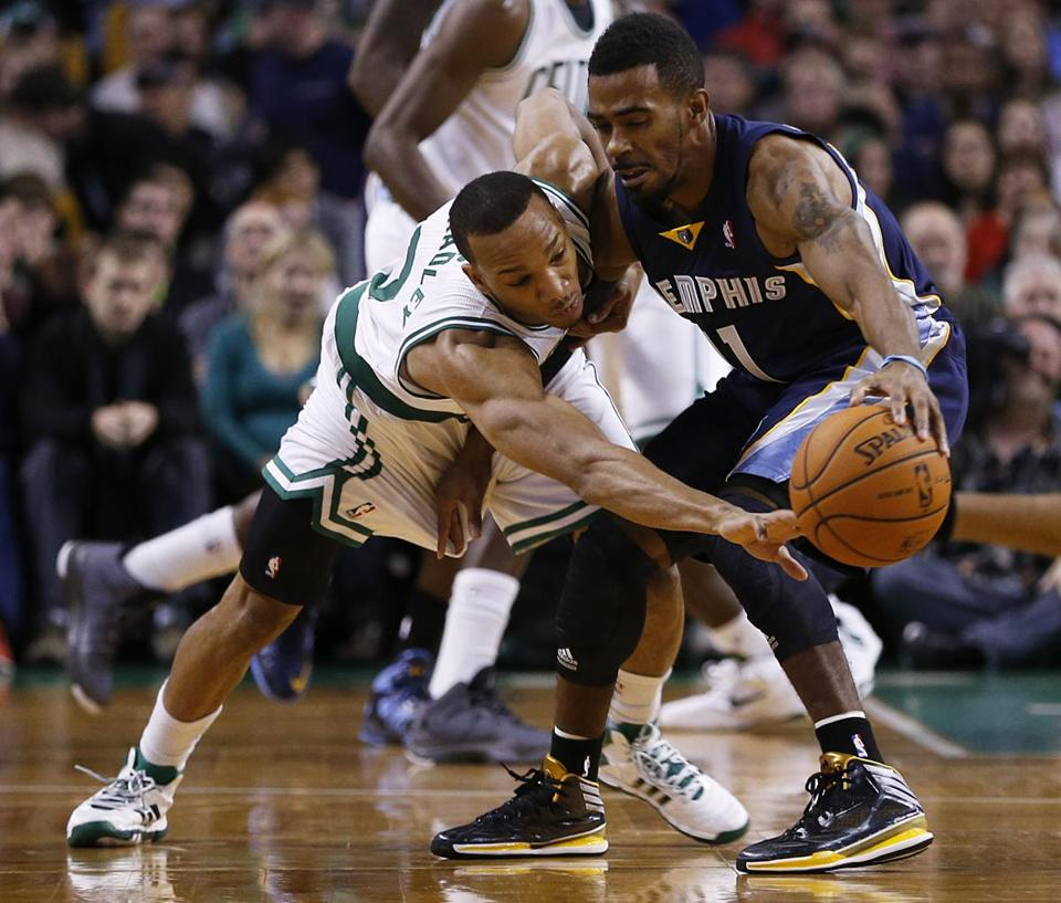 Avery Bradley guarded the Grizzlies' Mike Conley in the first quarter.