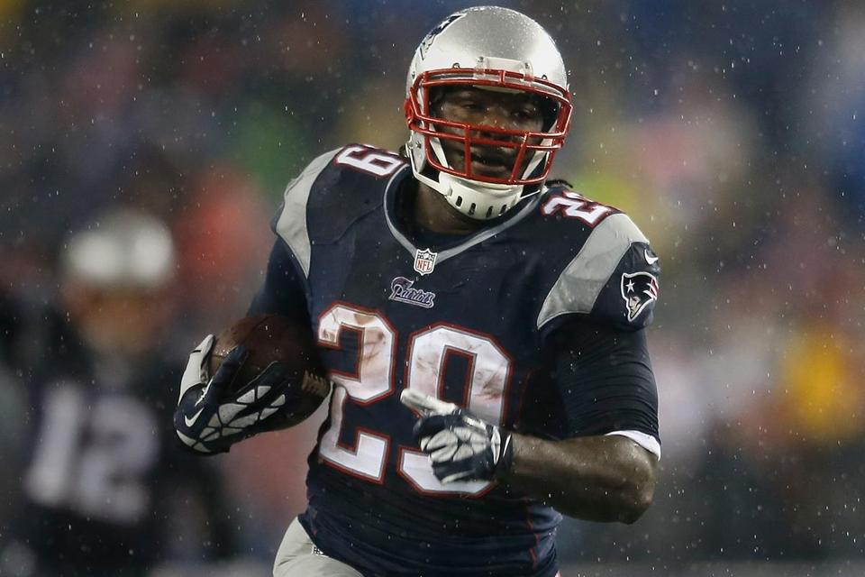 LeGarrette Blount looks to be rounding into playoff form for the Patriots, who went 12-4 and won the AFC East.