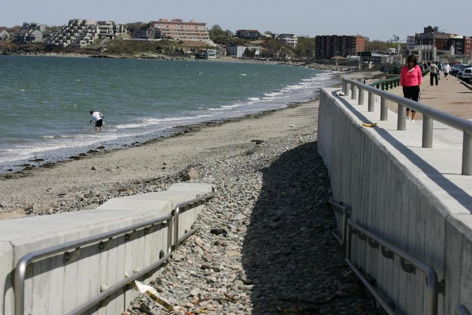 Nantasket Beach Ma The Once Crumbling Sea Wall At Received A Face Lift