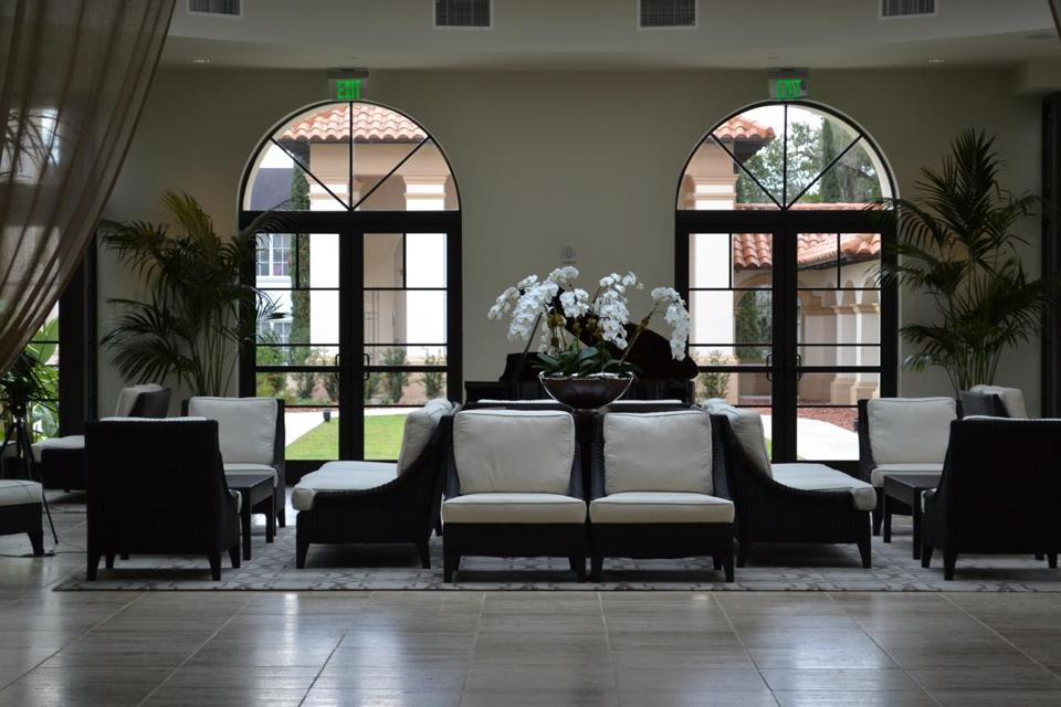 The contemporary boutique Alfond Inn in downtown Winter Parkand.