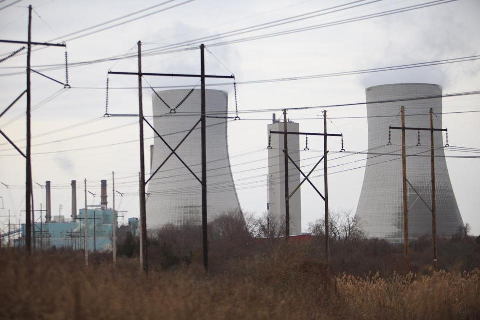 Brayton Point power station in Somerset is scheduled to stop operating in 2017. (Dina Rudick/Globe Staff)