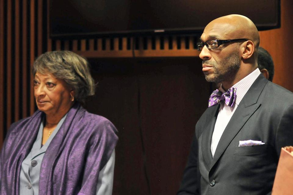 On Jan. 21, Irving Fryar and his mother pleaded not guilty of conspiring to steal more than $690,000 inamortgage scam.