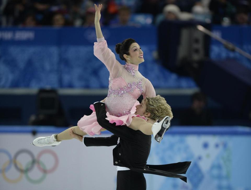 Olympic ice dancing favorites Meryl Davis and Charlie White were in synch during Saturday's team event.